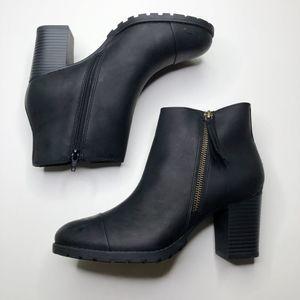 [CLARKS] Verona Heeled Ankle Boots